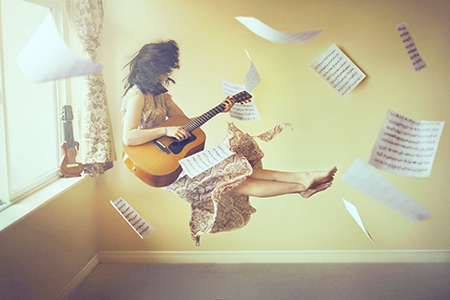 Sarah-Bowman-Photography-Musical-Inspiration-Guitar-Woman copy