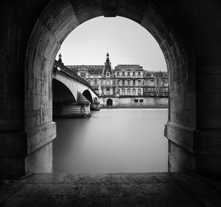 Thibault ROLAND - Gate to the Louvre