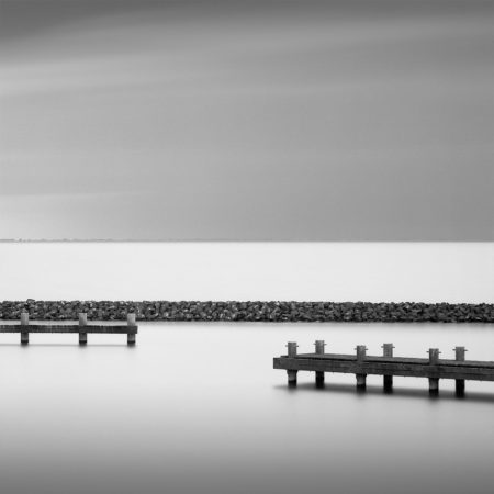 pier_in_harbour